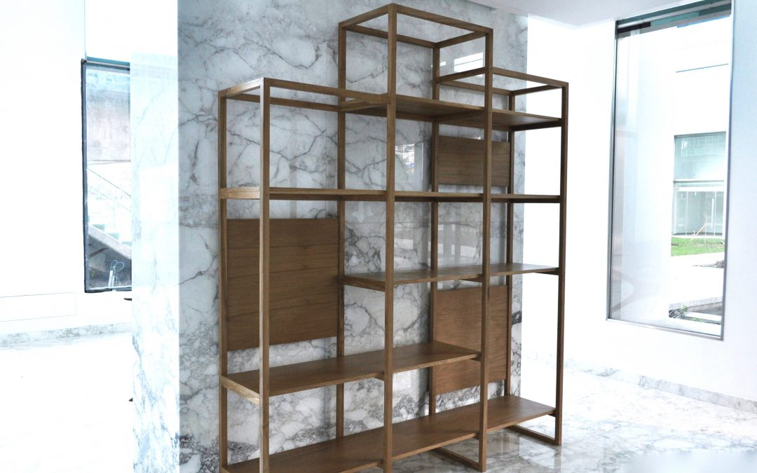 Estantes de madera o met licos loredo muebles for Pedestales metalicos para mesas