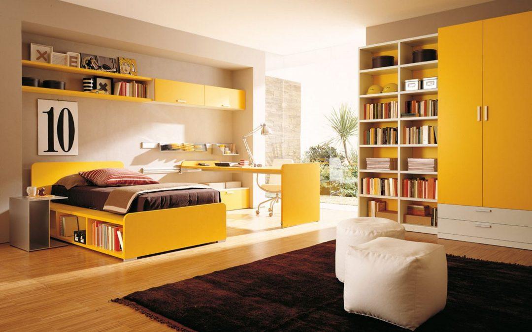 Muebles auxiliares en una habitación juvenil